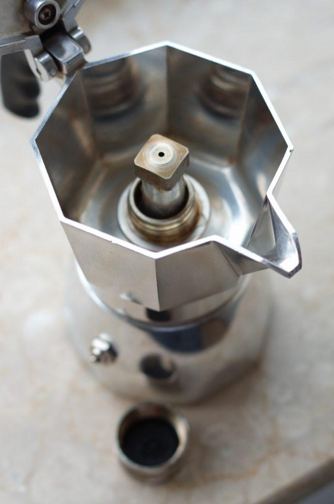 Detail Cremaventil der Bialetti Brikka